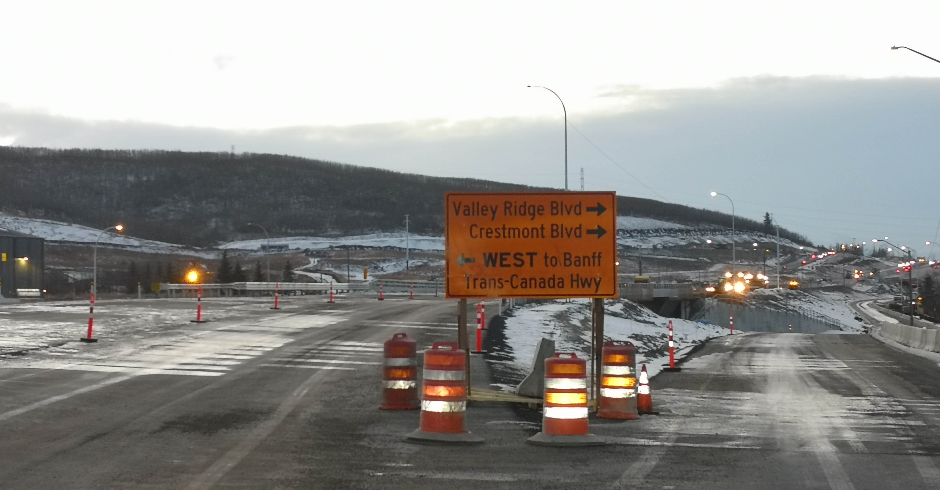 Southbound Stoney Trail exit ramp signage